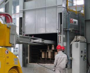 Fabricant Four Tunnel Traitement Thermique Forge Aeronautique.