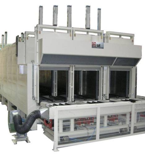Industrial Furnace For Polycarbonate Polyurethane Part Manufacturing.